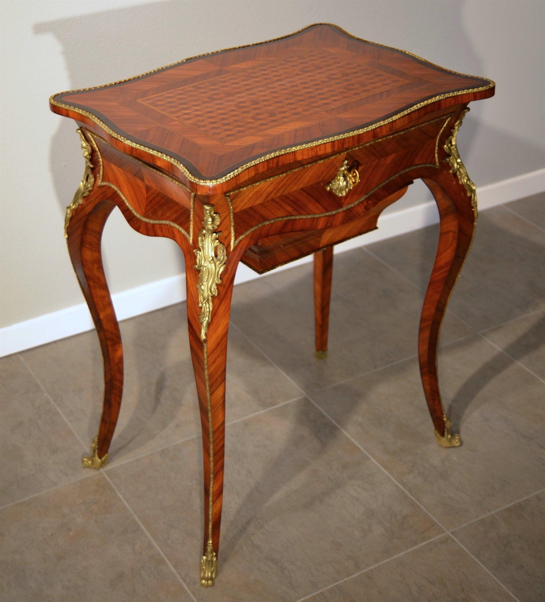 Tavolino da signora in stile Luigi XV Francia, periodo Napoleone III ...